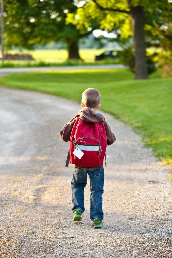 Si el niño tiene opciones para saber responder, podrá acceder a ellas y dar una respuesta diferente a morder. Cuantas más herramientas en su mochila mejor.