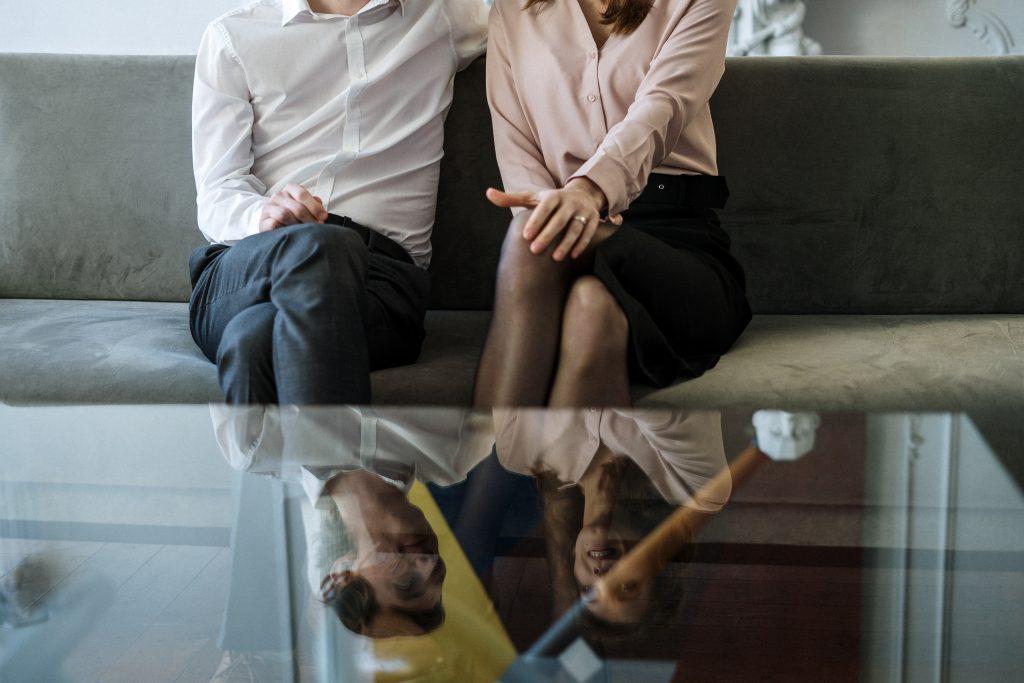 Buscamos psicólogos de terapia de pareja